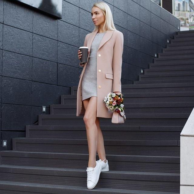 Estilo minimalista en ropa y complementos
