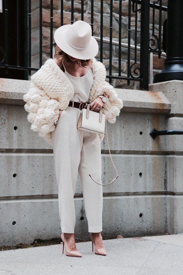 Combinar cárdigan corto y pantalones, ideas de look