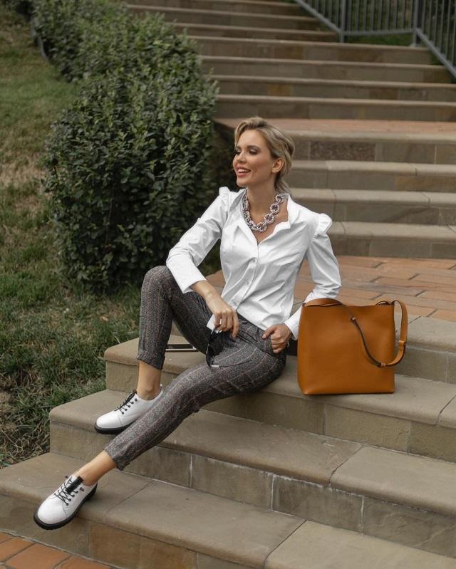 La camisa blanca en el street style
