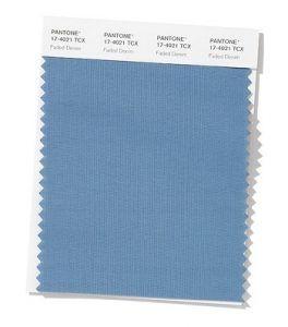 Color azul claro primavera-verano 2020